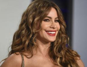 Sofía Vergara rompe el internet con foto de su juventud en bikini