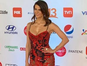 Tonka Tomicic impacta con su look transparente en la Gala de Viña 2019