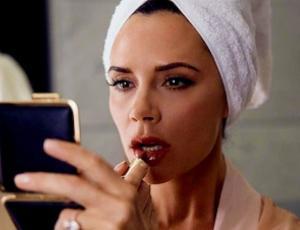 Cremas de Victoria Bekcham cuentan con la aprobación de las Kardashian