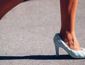 El zapato acolchado: la rareza que las fashionistas pusieron de moda