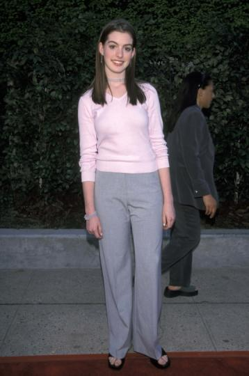 ¡15 años! Anne Hathaway en la red carpet de FOX.