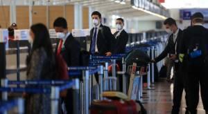 """Estados Unidos recomienda no viajar a Chile: niveles de Covid-19 son """"muy altos"""""""