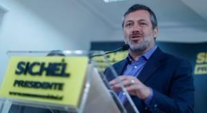 Denuncian que Sichel habría recibido financiamiento irregular en campaña de 2009