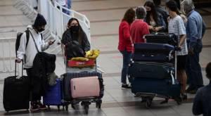 Francia anuncia que usar mascarillas no será obligatorio en espacios abiertos