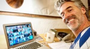 Actor Carlos Díaz habla de su primera vez como profesor online