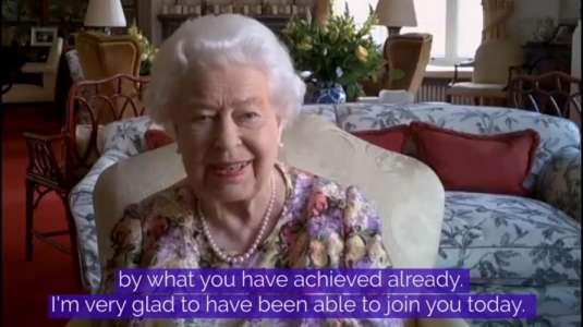Reina Isabel participó en su primera videollamada a los 94 años