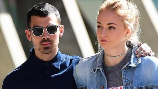 ¿Por qué Sophie Turner y Joe Jonas no se toman fotos con sus fans?