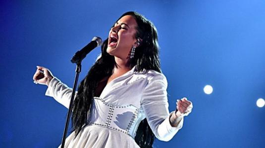 Selena Gomez y su emotiva felicitación a Demi Lovato