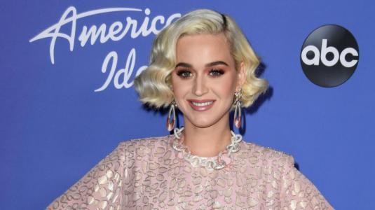 Los looks con los que Katy Perry escondió su embarazo