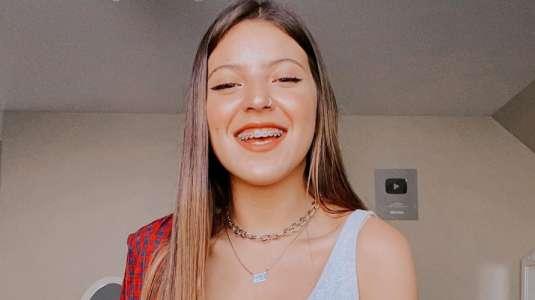 Ignacia Antonia recibe elogios por fotos sin brackets