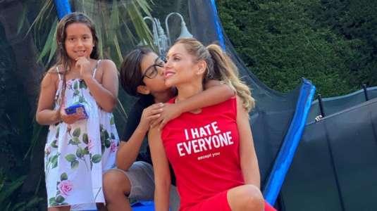Marité Matus comparte divertidos videos de su tarde de retos junto a sus hijos