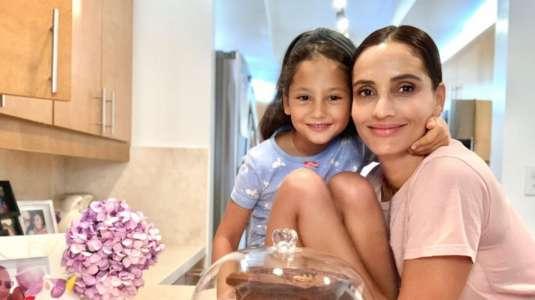 Leonor Varela comparte su entrenamiento junto a su hija Luna