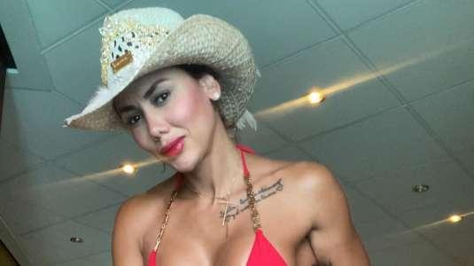 Sonia Isaza enciende las redes con foto en bikini