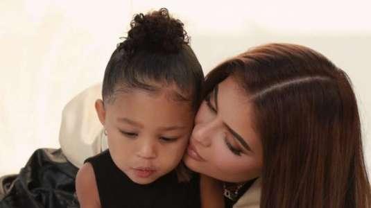 Kylie Jenner comparte el primer día de clases de Stormi