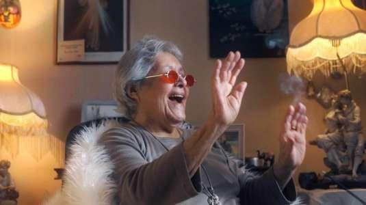 """""""La cumbia del encierro"""": Abuelita de 88 años compuso canción para Beto Cuevas"""
