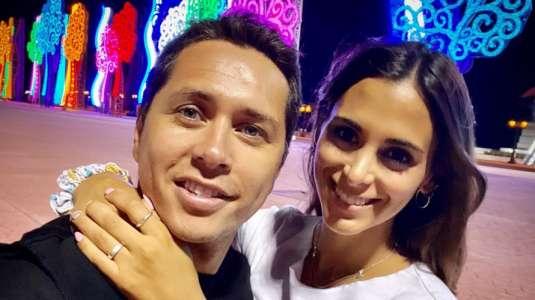 Karol Lucero genera ola de reacciones con íntima foto junto a su polola