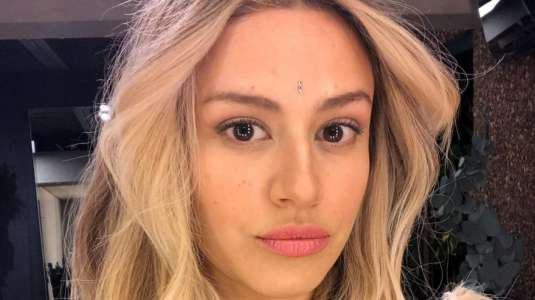Karla Melo confunde a sus seguidores con parecido a Rosalía
