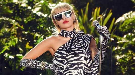 """Miley Cyrus nos llevará al jardín de su casa en un nuevo """"Backyard Sessions"""""""