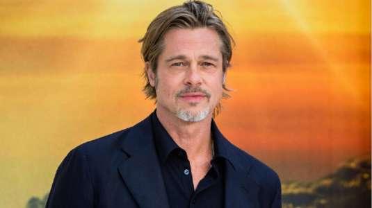 Papparazean a la supuesta novia de Brad Pitt