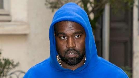 Kanye West orinó un Grammy a modo de protesta contra la industria musical