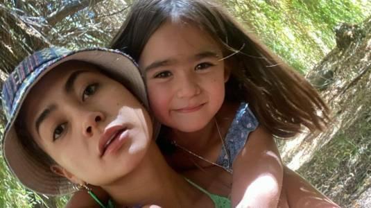 Camila Recabarren es elogiada por desnudo fotografiado por su hija