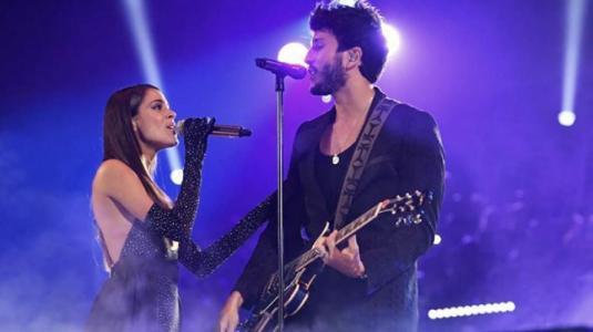 La romántica presentación de Sebastián Yatra y Tini Stoessel en los Premios Juventud