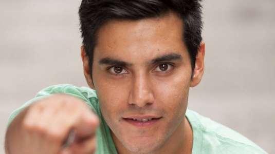 Actor Ariel Mateluna tiene relación con actriz de teleserie Amanda