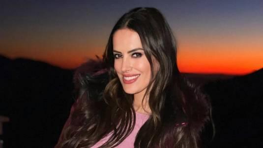Adriana Barrientos se llena de elogios posando en calzoncillos
