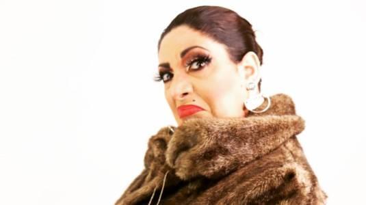 Botota Fox imita look de Kim Kardashian