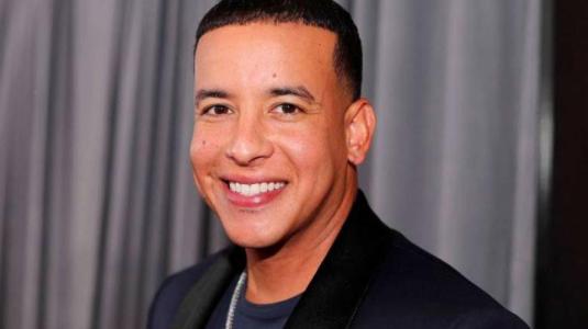Conoce a Jeremy, el  desconocido y guapo hijo de Daddy Yankee