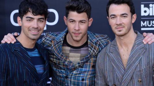 Jonas Brothers desatan locura tras su show en los Billboard 2019