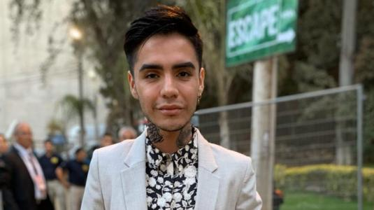 Leo Méndez se defiende tras críticas al porte de su cabeza