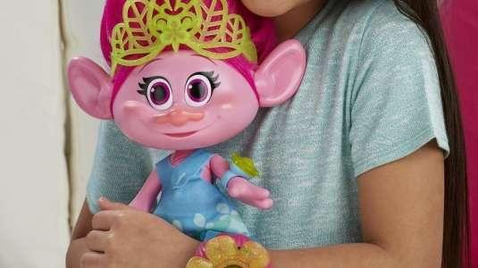 Muñeca Troll que gime y tiene botón en parte íntima será retirada del mercado