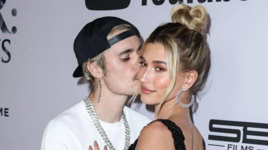 """Hailey Bieber tras video de supuesta pelea con Justin: """"No alimenten la mierda"""""""