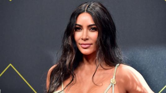 Kim Kardashian dice amar a Tristan Thompson como a un hermano