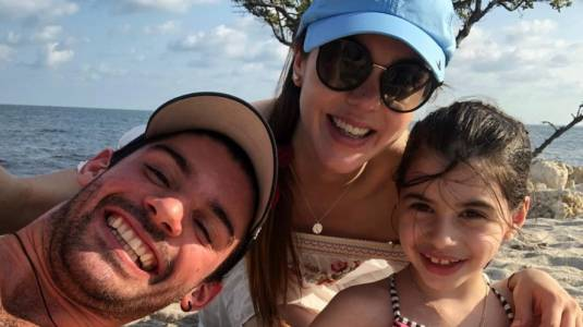 Mario Velasco defiende la maternidad de Carolina Mestrovic