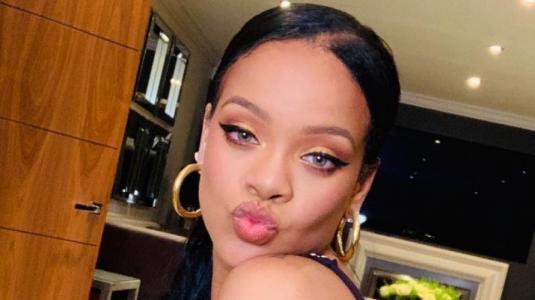 Rihanna pone fin a su relación y es vista con Drake