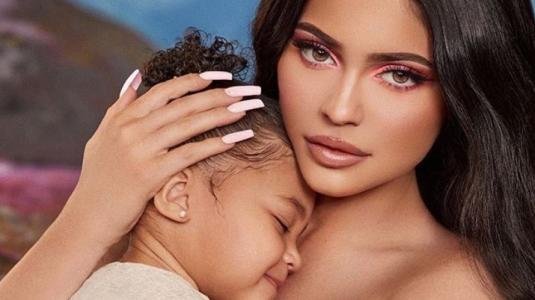 "Stormi se niega a decirle ""mamá"" a Kylie Jenner"