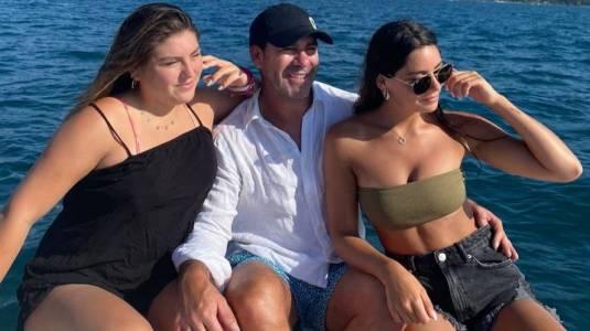 Las paradisíacas vacaciones de Marcelo Salas y sus hijas