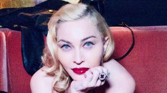 Madonna desafía la censura en Instagram con osada fotografía
