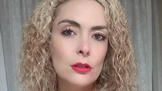 "Fernanda Braz de ""Mekano"" deslumbra en bikini a sus 36 años"
