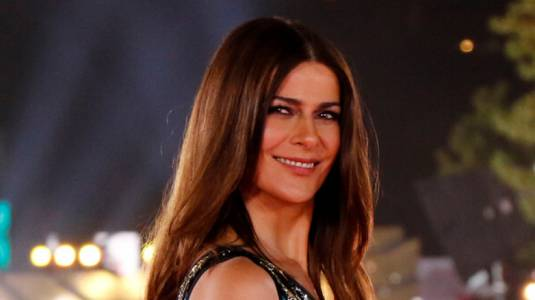 Tonka Tomicic deslumbra en Las Condes con vestido que utilizó en la Gala de Viña