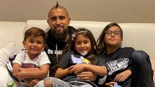 Arturo Vidal vivió emotivo reencuentro con sus hijos