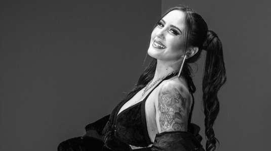 """Mari Almazábar lanza su primer EP llamado """"Amor en tiempos de covid"""""""