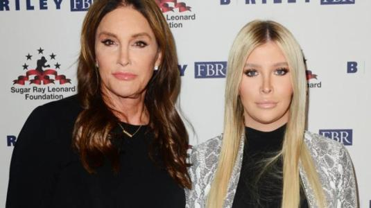 Caitlyn Jenner quiere ser madre junto a su novia Sophia Hutchins