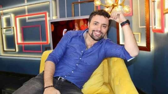 Daniel Valenzuela es sorprendido por Marité Matus en plena transmisión en vivo