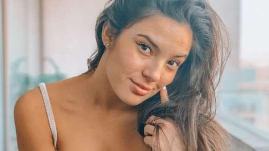 Chantal Gayoso cautiva con sensual desnudo en una tina