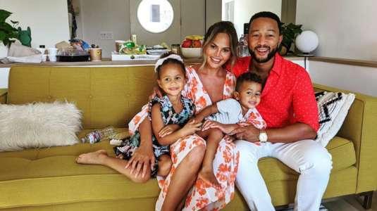Chrissy Teigen y John Legend esperan su tercer hijo