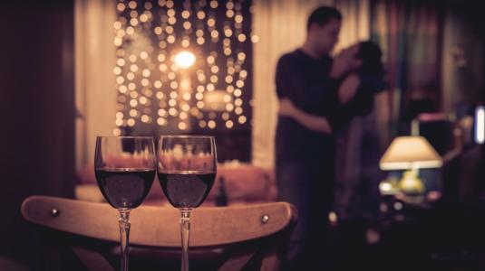 5 ideas para tener una cita romántica en la casa
