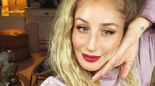 Daniela Castro confirma relación con galán incógnito
